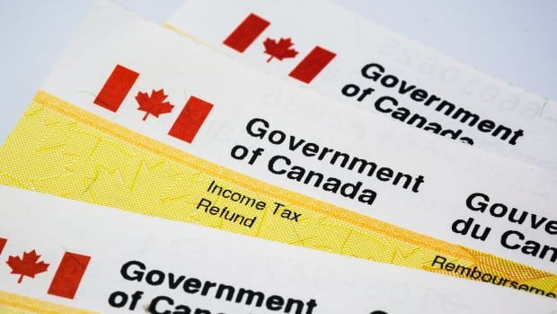How changes to taxes, EI and CPP will affect your paycheque after Jan. 1 | CBC News