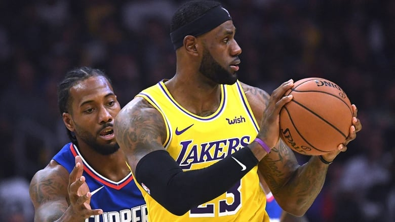 Lakers' LeBron James questionable for Saturday with groin contusion