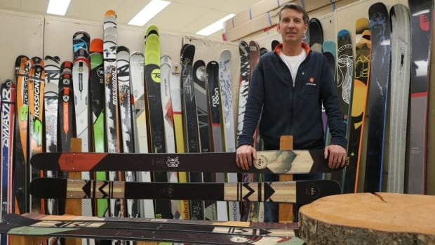 What started as a small fundraising initiative to pay for school outings has grown into a school program in Saint-Pascal, Que., that lets kids learn craftsmanship while repurposing old skis.