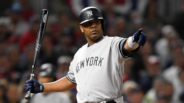 White Sox agree to one-year deal with Edwin Encarnacion