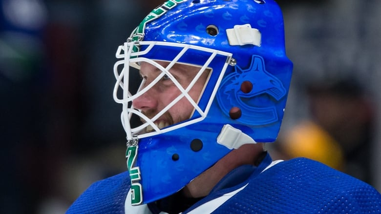 Markstrom Makes Career High 49 Saves To Help Canucks Fend Off Kings Cbc Sports