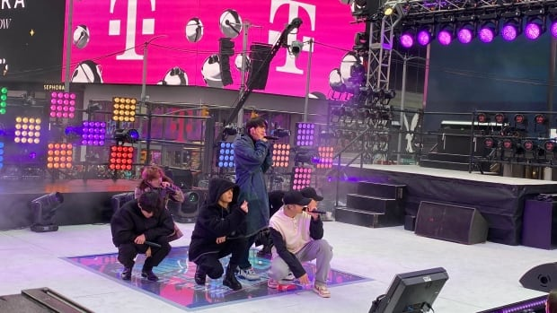 BTS, Post Malone and Alanis Morissette at Times Square New Year's Eve celebration | CBC News