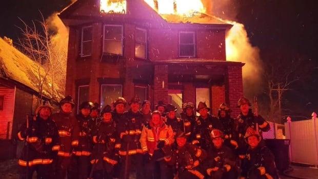 Brass upset over Detroit firefighters' burning home photo