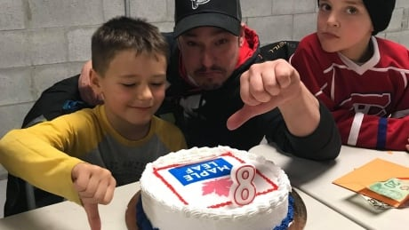 Eight-year-old Jacob wanted a Toronto Maple Leafs cake. The bakery used the Maple Leaf Foods logo instead Image 1