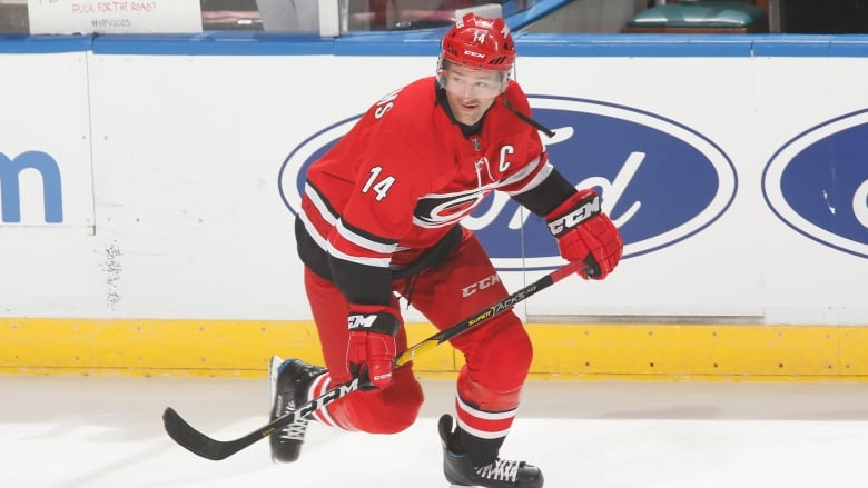 Ben Shelley - SHORT READ: Justin Williams signs with Hurricanes