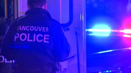 STOCK VANCOUVER POLICE OFFICER VPD CRIME SCENE 2020