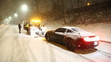 vancouver snow bc storm car stuck