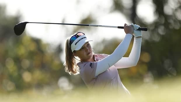 Brooke Henderson's near albatross gives her share of lead at Tournament of Champions