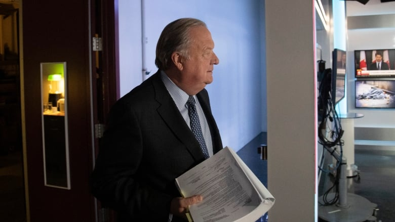 'Stop this investigation': Jean Charest's lawyer says former premier steered clear of corruption