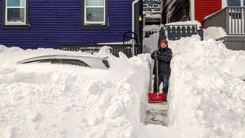 Manitoba man moves to Newfoundland at 'one of the worst' times — just weeks before blizzard buried St. John's