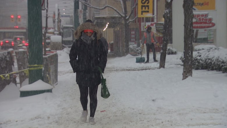 Toronto remains under extreme cold weather alert after record snowfall
