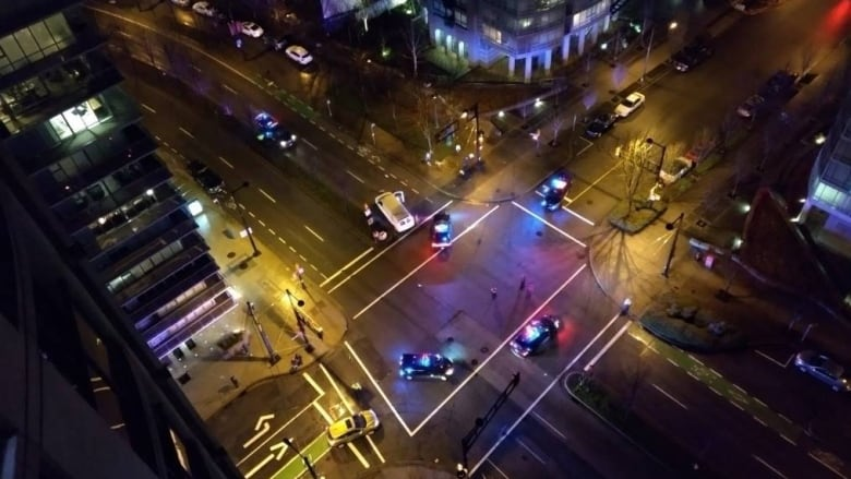 2 pedestrians in their 70s hit by vehicle in downtown Vancouver