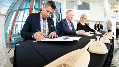 Indigenous Engagement Charter signing ceremony Saskatchewan Chamber of Commerce Thomas Benjoe