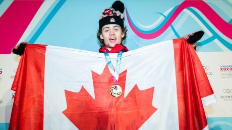 YOG-longino-Olympic-medal