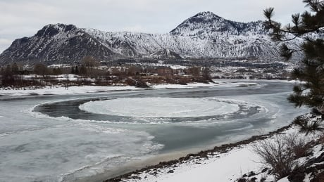 Ice disc appears in South Thompson River at Kamloops