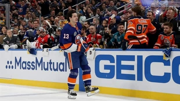 Barzal dethrones McDavid to win NHL's fastest skater