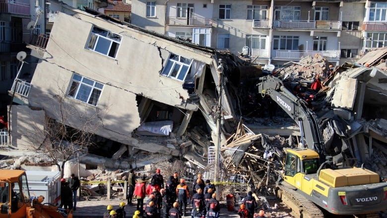 Death toll stands at 22 in Turkish earthquake with 1,000 hurt