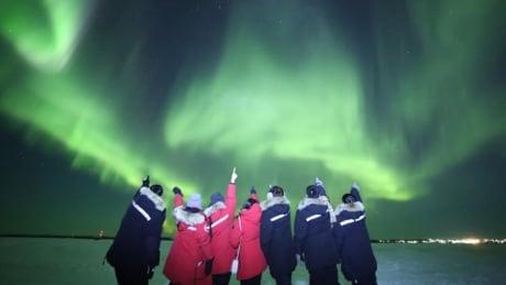 Aurora Holiday NWT aurora tourism