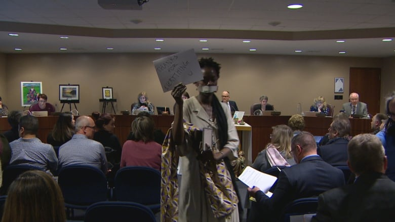 Silent protest held at Edmonton Catholic board meeting over do-rag dispute