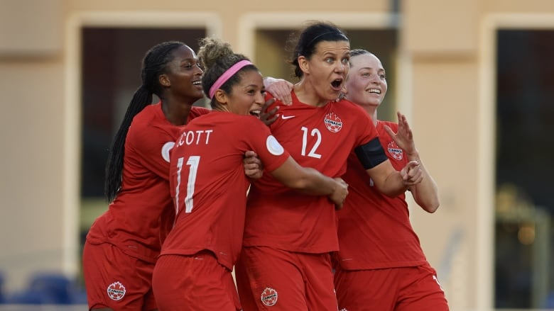 U.S. women beat Canada 3-0 in Olympic soccer qualifying final