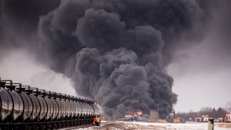 Government further revises train regulations, speed limits, for dangerous goods on Canadian railways