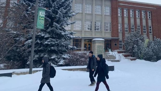 Alberta universities, colleges face varied government funding cuts   CBC News