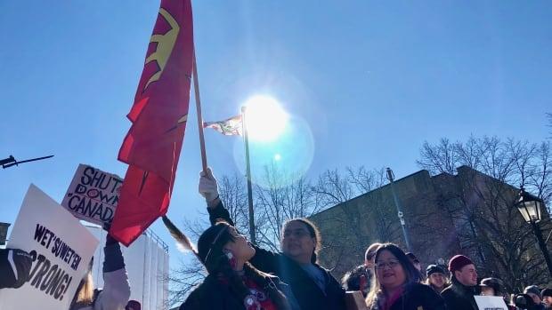 Demonstrators gather in Charlottetown in solidarity with Wet'suwet'en chiefs | CBC News