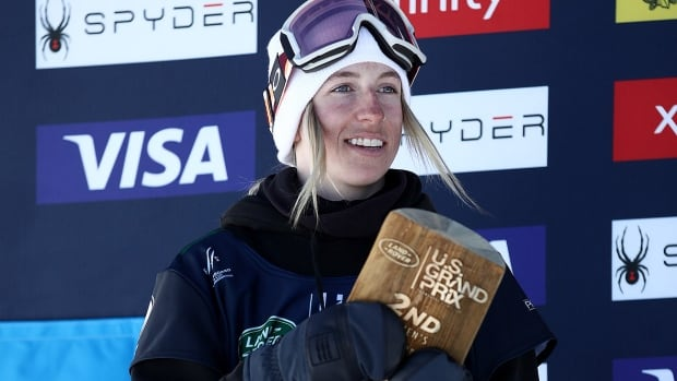 Laurie Blouin collects slopestyle skiing gold on home soil in Calgary