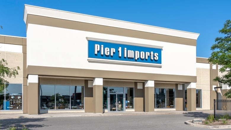 Pier 1 Imports files for bankruptcy, plans to sell company