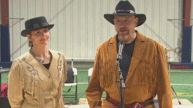 Métis mark Manitoba's 150th with heritage trek from Kenora to Winnipeg | CBC News