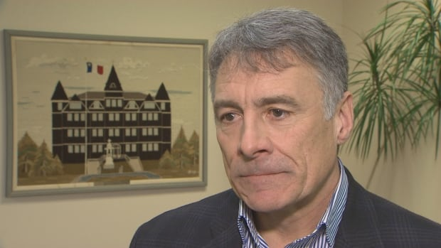 Ottawa names N.S. university president to rebuild trust between Mi'kmaw, commercial fishers | CBC News