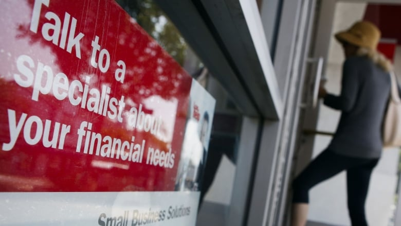 Canada's biggest banks to aid customers impacted by pandemic class=