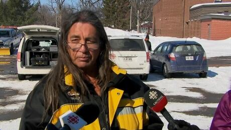 Kanesatake grand chief retracts comments on rail blockades after Mohawk community protest