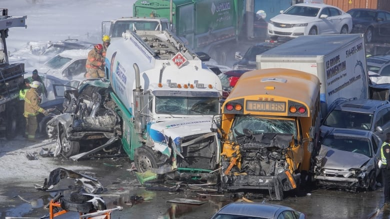 Serious injuries after 200 vehicles involved in pileup south of Montreal