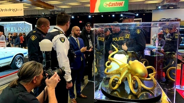 Mississauga, Ont. man takes giant pearl on the road at Toronto's auto show | CBC News