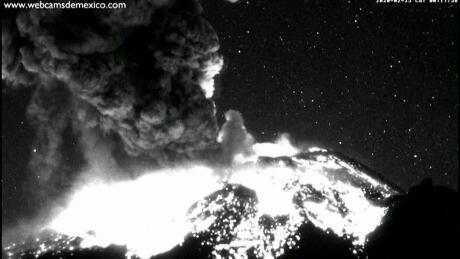 Mexican volcano erupts, lighting upnightsky