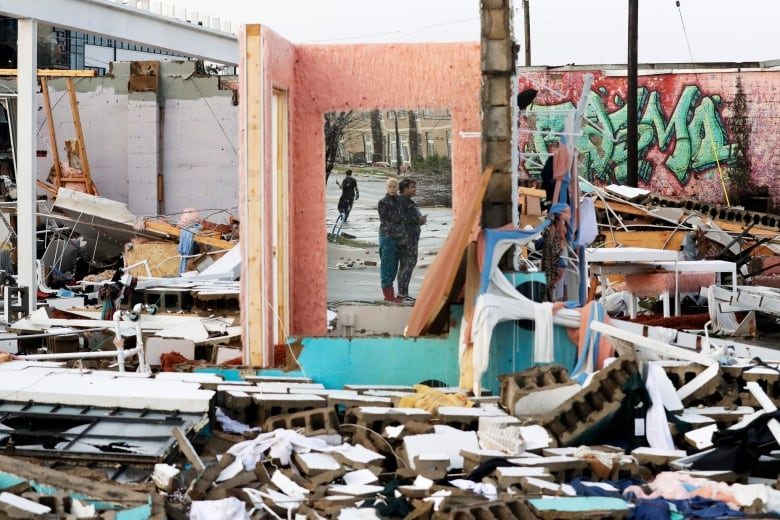 Tennessee Tornadoes Kill At Least 25 People Many In Their Sleep Cbc News