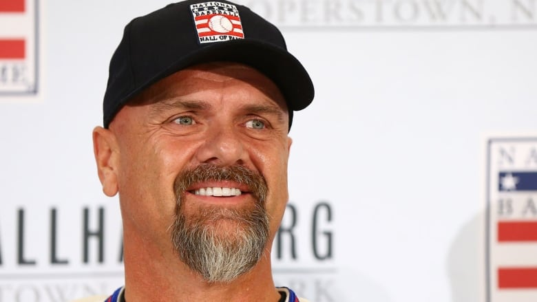Larry Walker to serve as Avalanche's honorary emergency goaltender