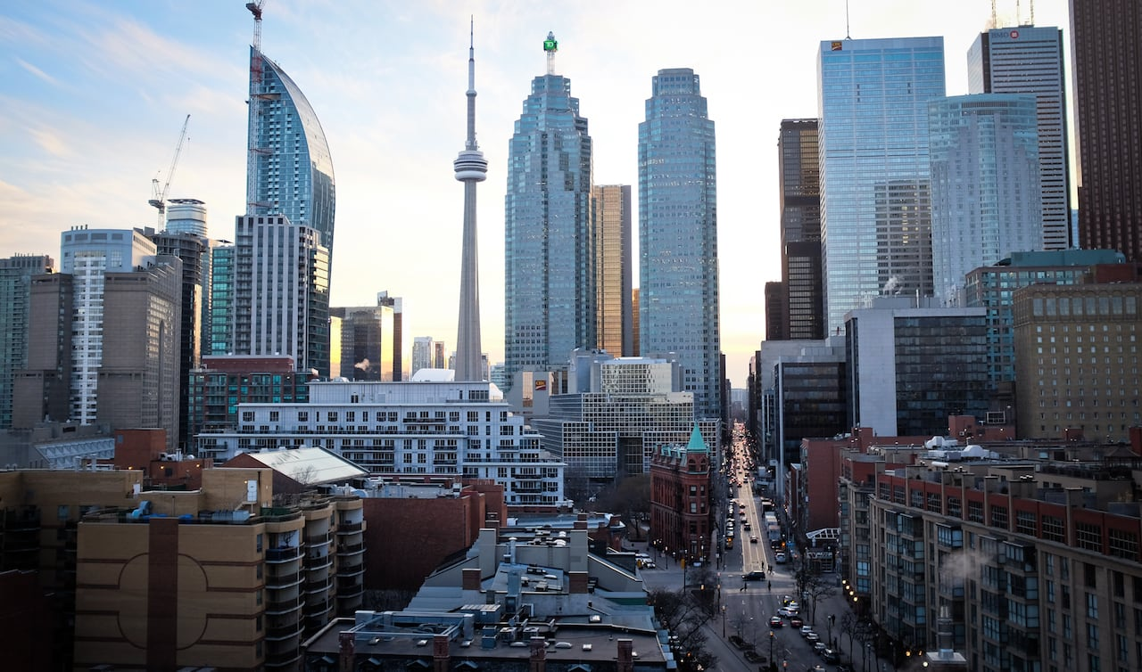 Toronto Residential Rents Dropping Because Of Covid 19 Figures Suggest Cbc News