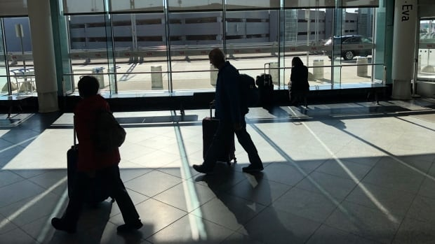 Canada to bar entry to travellers who are not citizens, permanent residents or Americans | CBC News
