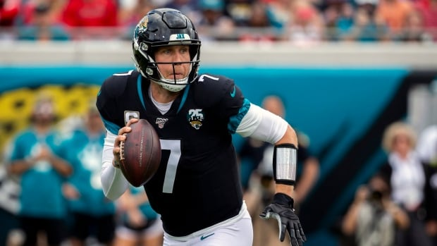 Bears acquire former Super Bowl MVP Nick Foles from Jaguars: reports