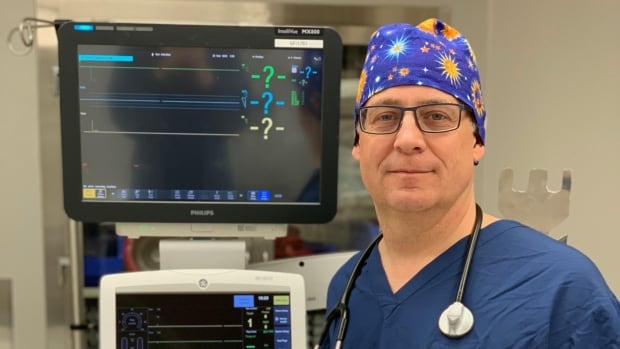 Perth doctor rigs up solution to feared ventilator shortage | CBC News