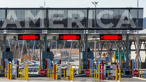 Canada-U.S. border closure to be extended for another 30 days, say officials | CBC News