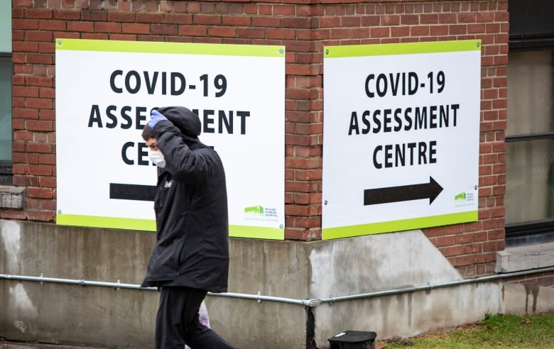 While there are numerous clinics open around the country, people who are tested often have to wait days for results.(Evan Mitsui/CBC)