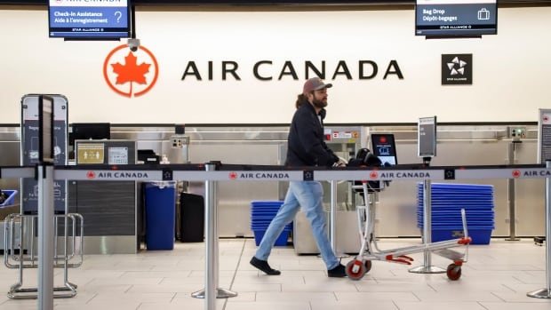 Air Canada to rehire 16,500 laid-off workers with help of federal government's wage subsidy | CBC News