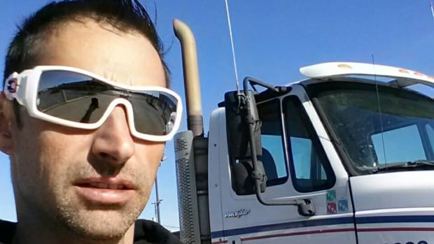'I can't stay home, I'm a trucker': Life on the road during COVID-19 | CBC News
