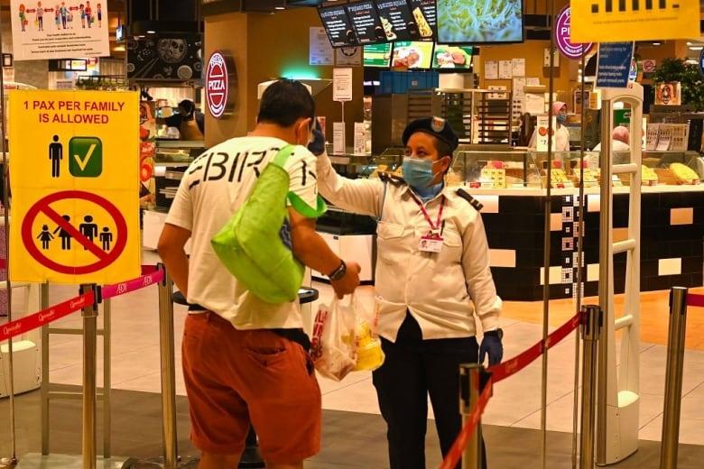 Coronavirus: What's happening in Canada and around the world on Sunday | CBC News