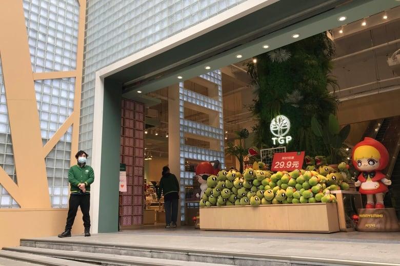 Retail businesses reopen in Wuhan, China's original coronavirus epicentre