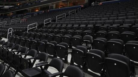 nhl-empty-arena-200312-1180