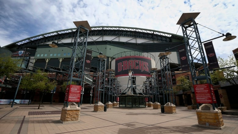 MLB, MLBPA discussing playing all games in Arizona